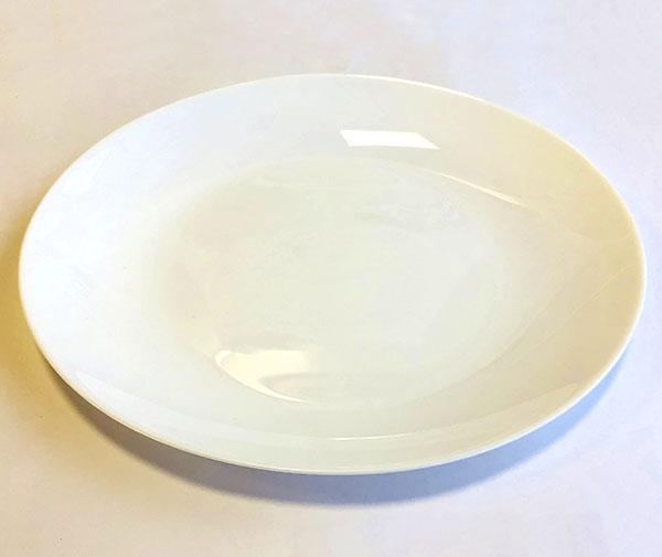 だ円白い皿